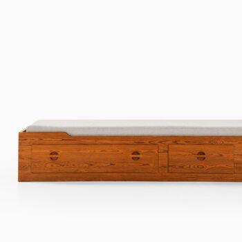 Bed in pine by unknown designer at Studio Schalling