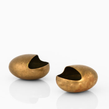 Pair of ashtrays in brass by Cohr at Studio Schalling
