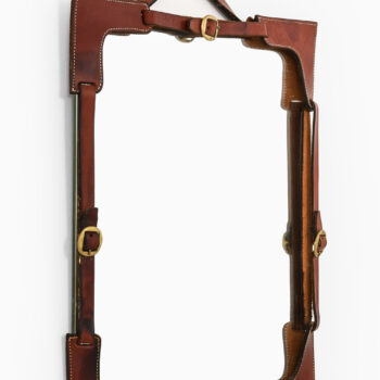 Mirror in leather and brass at Studio Schalling