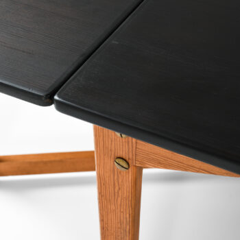 Freestanding desk in pine and black lacquer at Studio Schalling