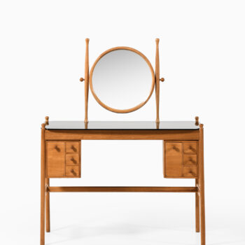 Vanity in ash and glass at Studio Schalling