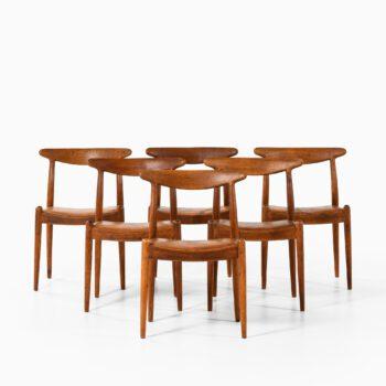 Hans Wegner dining chairs model W1 at Studio Schalling