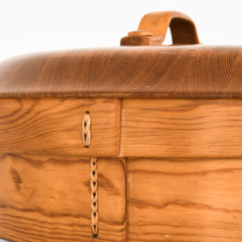 Wooden box with lid by unknown designer at Studio Schalling