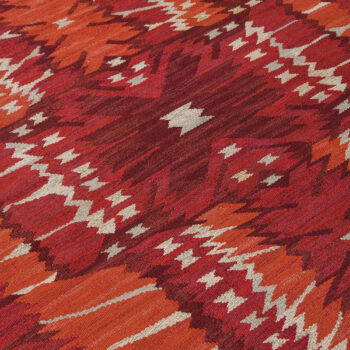 Barbro Nilsson carpet Strålblomman röd at Studio Schalling