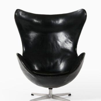 Arne Jacobsen egg chair in black leather at Studio Schalling