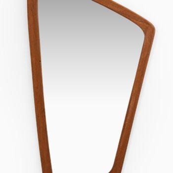 Organic mirror produced in Denmark at Studio Schalling