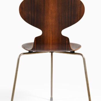 Arne Jacobsen Ant dining chairs at Studio Schalling