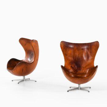 Arne Jacobsen easy chairs model 3316 at Studio Schalling